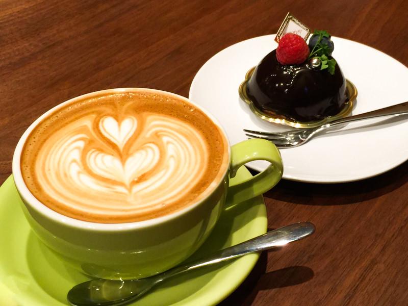「菓匠 幹栄 × Cafe Latte 57℃」に行ってきた! 〜和菓子・ケーキ・コーヒー全部楽しめるなんて贅沢すぎやろ〜