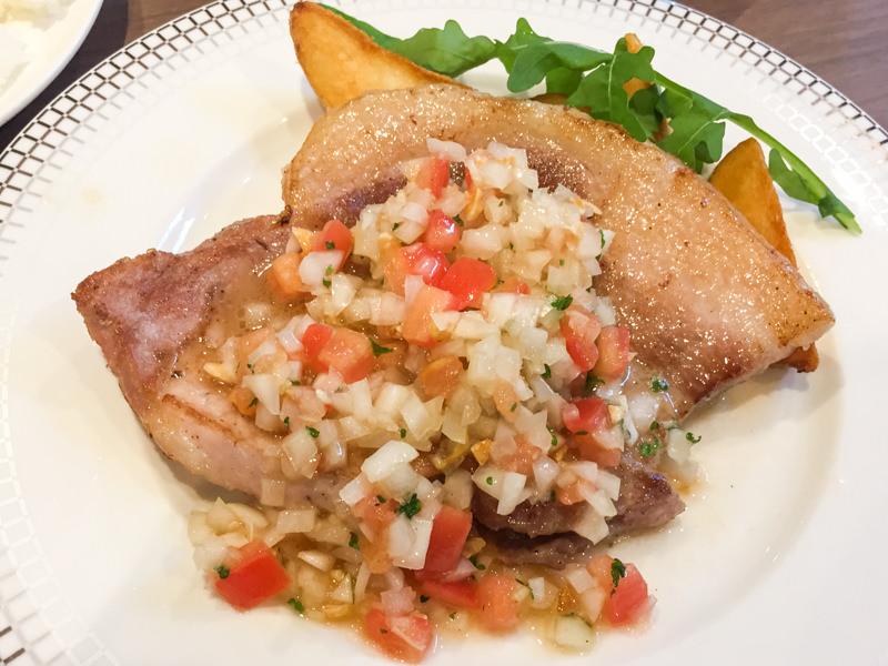 【武蔵浦和】 eee(イースリー)でランチ 美味しいお肉とサラダバーでとってもおトク!