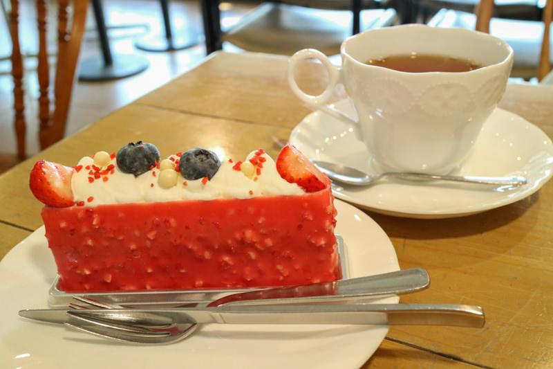 【ププリエ 嵐山店】ケーキ屋さんの喫茶スペースでお茶してきた!