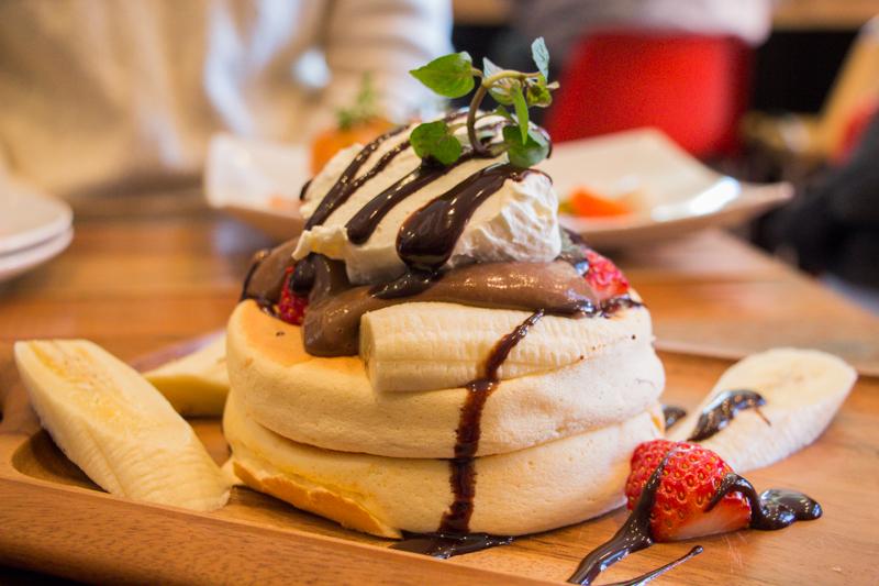 【プランピーパンケーキス】伊奈町にオープン、ふわふわパンケーキカフェ!