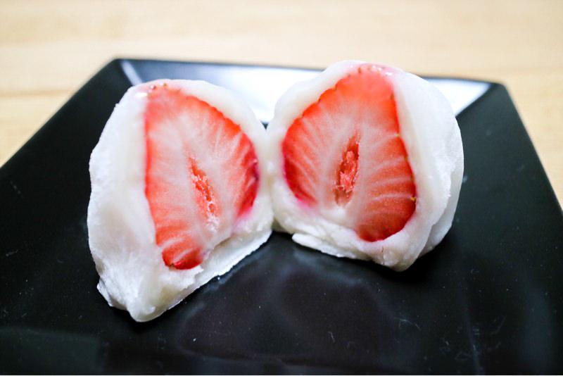 【高崎・和菓子】微笑庵(みしょうあん)の「ちごもち」食べてみた!〜特大やよいひめをまるごと使用、売り切れ必至の大人気いちご大福〜