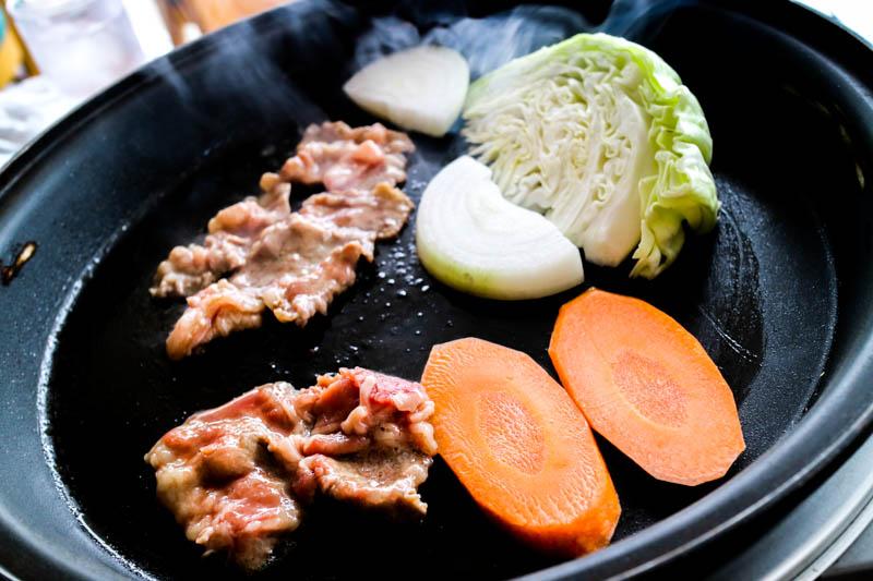 【東武動物公園】G'sレストランでバーベキュー 湖畔の景色を楽しみながら食事できます